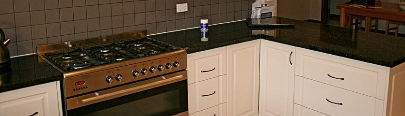 kitchen_stove_2.jpg